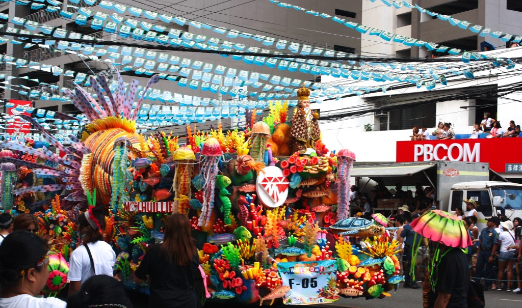 M Lhuillier Float in Sinulog 2020 Grand Parade